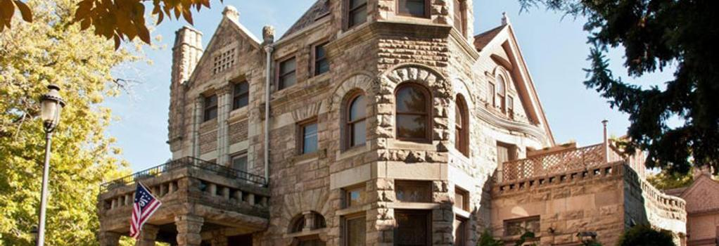 Castle Marne Bed & Breakfast - Denver - Building