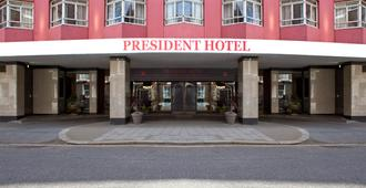 The President Hotel - London - Building