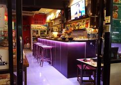 Stanley's Guesthouse - Patong - Bar