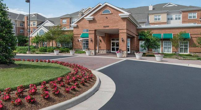 Residence Inn by Marriott Dulles Airport at Dulles 28 Centre - Sterling - Building
