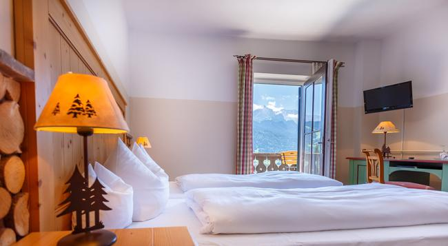 Landhotel & Berggasthof Panorama - Garmisch-Partenkirchen - Bedroom