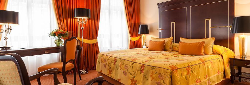 Relais & Châteaux Hotel Bülow Palais - Dresden - Bedroom