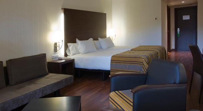 Hotel Gran Ultonia - Girona - Bedroom