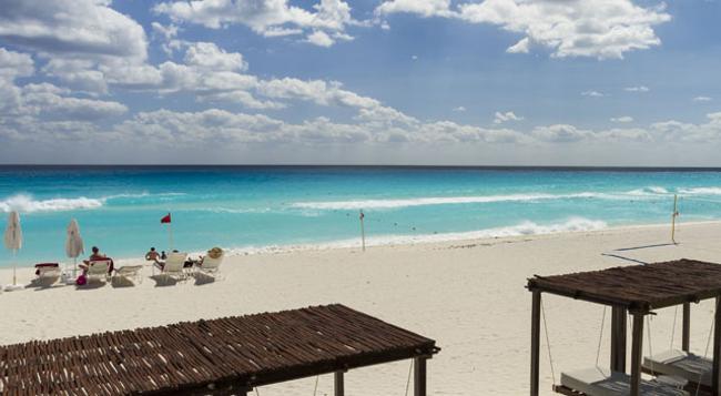 Sandos Cancun Luxury Experience Resort - Cancun - Beach