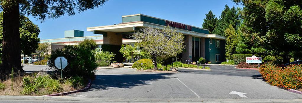 Days Inn & Suites Sunnyvale - Sunnyvale - Building