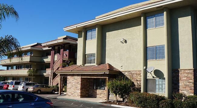 Executive Inn Hotel - Milpitas - Building