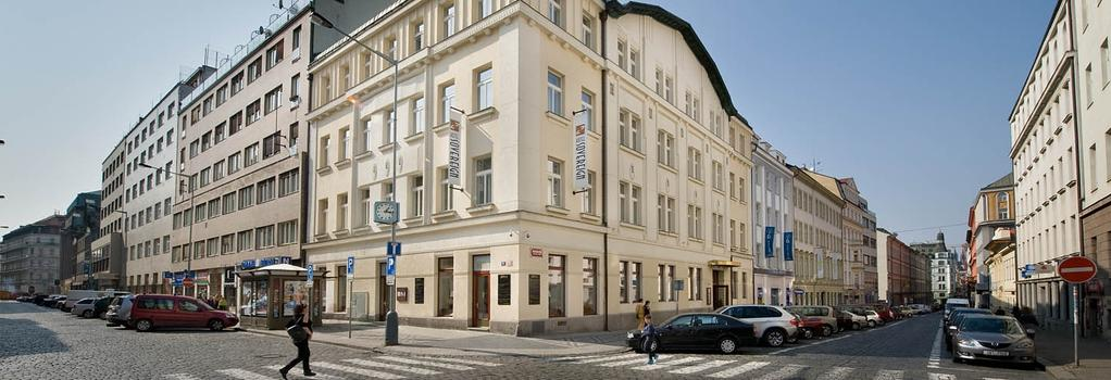 Hotel Sovereign - Prague - Building
