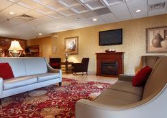 Ramada East Syracuse Carrier Circle - Syracuse - Lobby