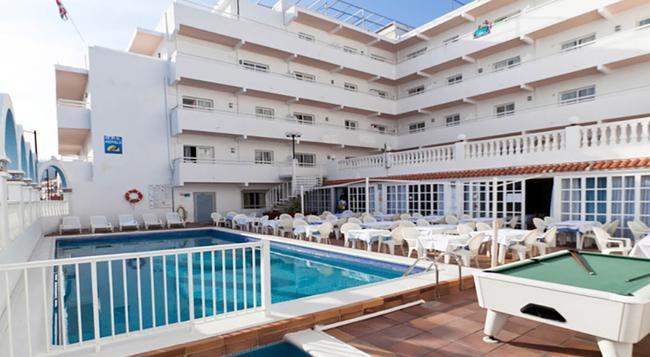 Hotel Apartamentos Lux Mar - Ibiza - Building