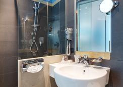 CDH Hotel Villa Ducale - Parma - Bathroom