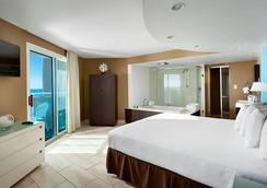 Captain's Quarters Resort - Myrtle Beach - Bedroom
