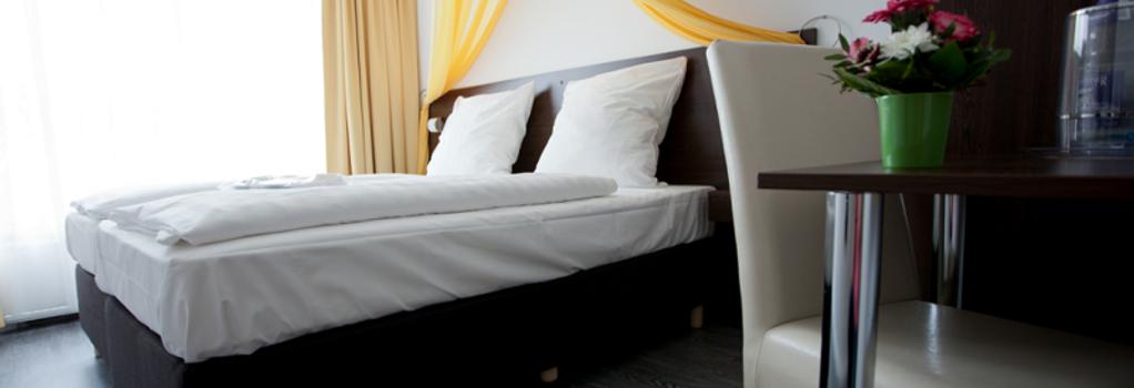 Hotel Kiez Pension - Berlin - Bedroom