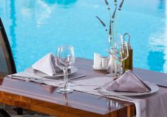 Contaratos Beach - Naousa (Paros) - Restaurant