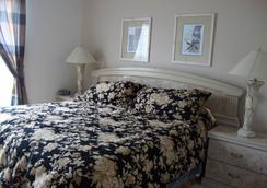 Barefoot Resort & Yacht Club - North Myrtle Beach - Bedroom