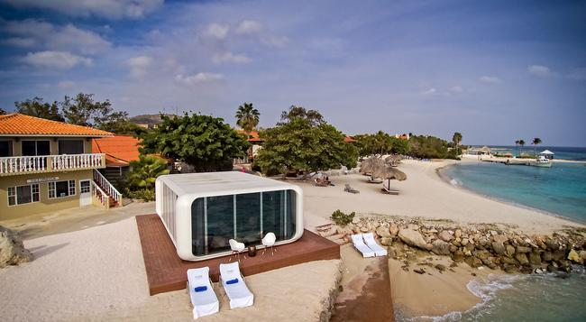 Floris Suite Hotel - Spa & Beach Club - Adults Only - Willemstad - Building