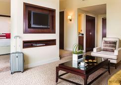 Roda Al Bustan - Dubai - Bedroom