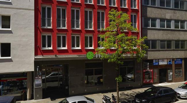H+ Hotel München City Centre B&B - Munich - Building