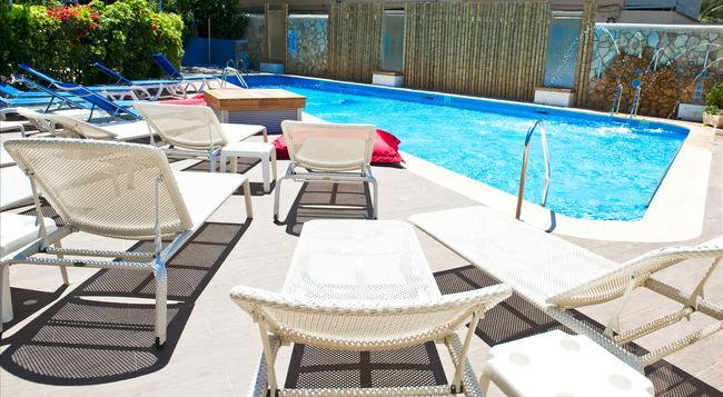 Playas Del Rey - Santa Ponsa - Pool