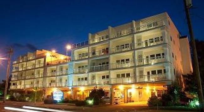 Biscayne Suites - Ocean City - Building