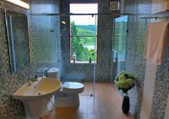 Zen Cafe Dalat - Villa - Dalat - Bathroom