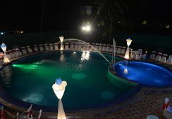 Gulmohar Resort Goa - Calangute - Pool