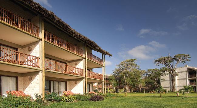 Baobab Beach Resort & Spa - Diani Beach - Building