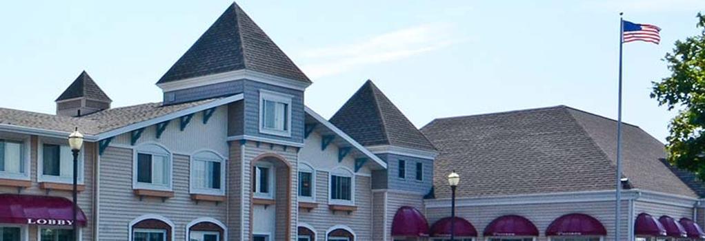 Magnuson Grand Pioneer Inn And Suites - Escanaba - Building