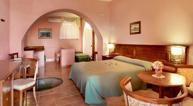 Hotel Villa De Pasquale - Lipari - Bedroom