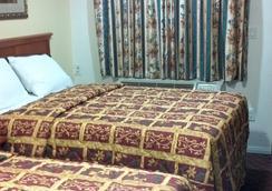 Tower Motel Long Beach - Long Beach - Bedroom