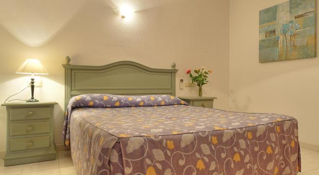 Infiniti Beach Resort - Vera - Bedroom