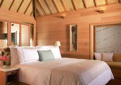 Four Seasons Resort Bora Bora - Vaitape - Bedroom