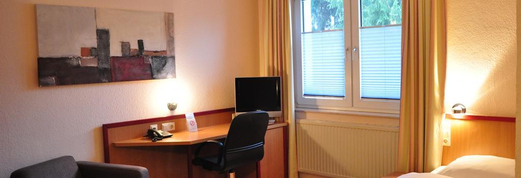 Hotel Hillegosser Hof - Bielefeld - Bedroom