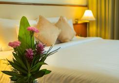Royal Phuket City Hotel - Phuket City - Bedroom