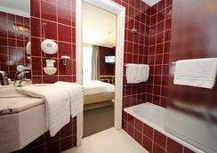 Astoria Hotel Gent - Ghent - Bedroom