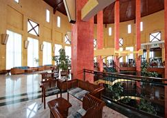 Sandos Papagayo Beach Resort - Playa Blanca - Lounge