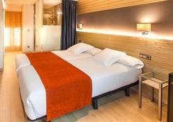 Hotel Avenida - La Coruña - Bedroom
