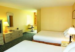 Perry's Ocean Edge Resort - Daytona Beach - Bedroom