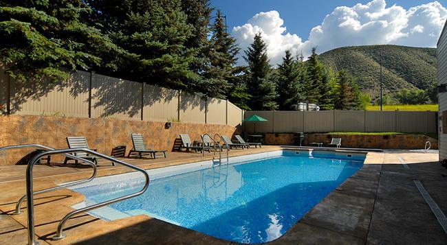 Christie Lodge - Avon - Pool