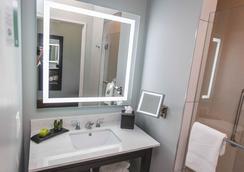 Cotton Sail Hotel - Savannah - Bathroom