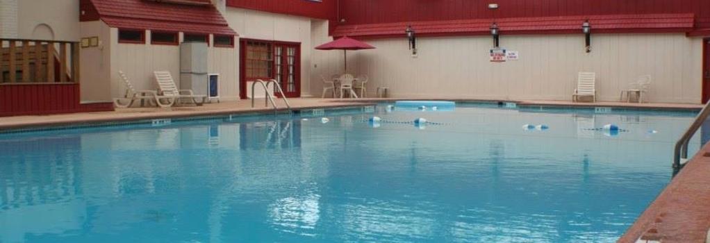 Hotel Carlisle & Embers Convention Center - Carlisle - Pool