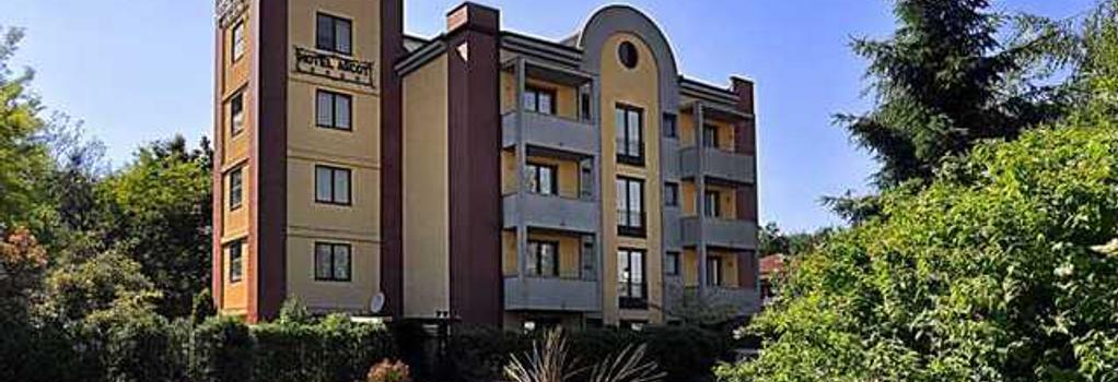 Ascot Lodging Hotel - Cardano al Campo - Building