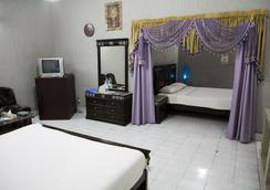 New Cape Grace Guest House - Islamabad - Bedroom