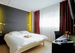 Oceania Quimper - Quimper - Bedroom