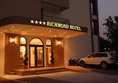 Richmond Hotel - Mamaia - Outdoor view