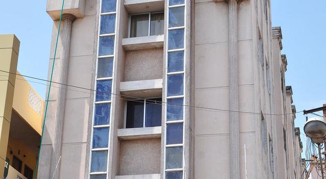 Golden Tower - Mayiladuthurai - Building