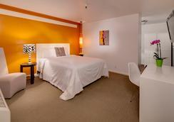 Aqua Soleil Hotel & Mineral Water Spa - Desert Hot Springs - Bedroom