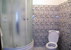 Astana Apple Hostel - Astana - Bathroom