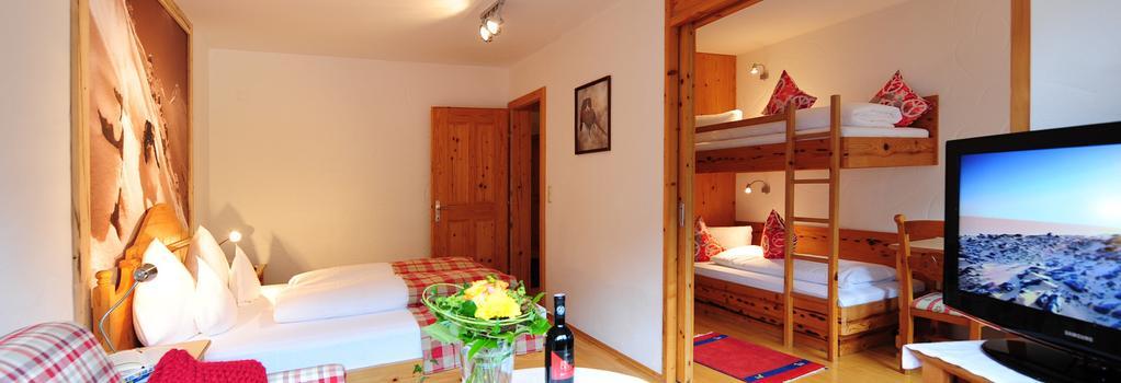 Hotel Zur Pfeffermühle - Sankt Anton am Arlberg - Bedroom