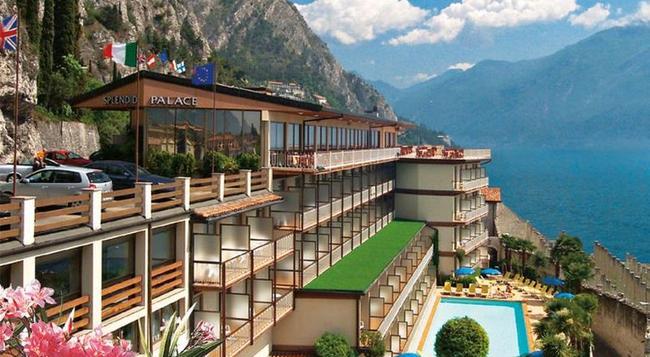 SunHotel Splendid Palace - Limone sul Garda - Building