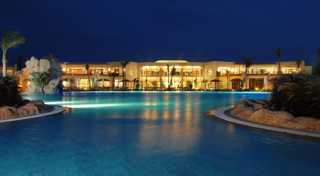 Hilton Sharks Bay Resort - Sharm el-Sheikh - Building
